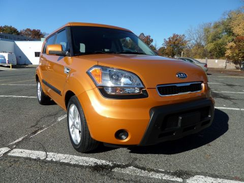 Pre-Owned 2011 Kia Soul ! FWD Hatchback