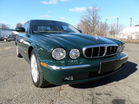 Pre-Owned 2004 Jaguar XJ XJ8 RWD 4dr Car