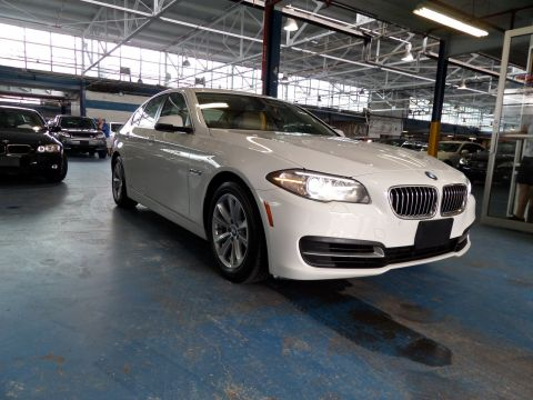 Pre-Owned 2014 BMW 5 Series 528i xDrive With Navigation & AWD