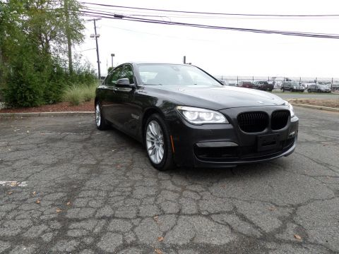 Pre-Owned 2013 BMW 7 Series 750i xDrive With Navigation & AWD