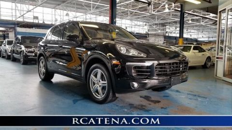 Pre-Owned 2015 Porsche Cayenne Diesel With Navigation & AWD