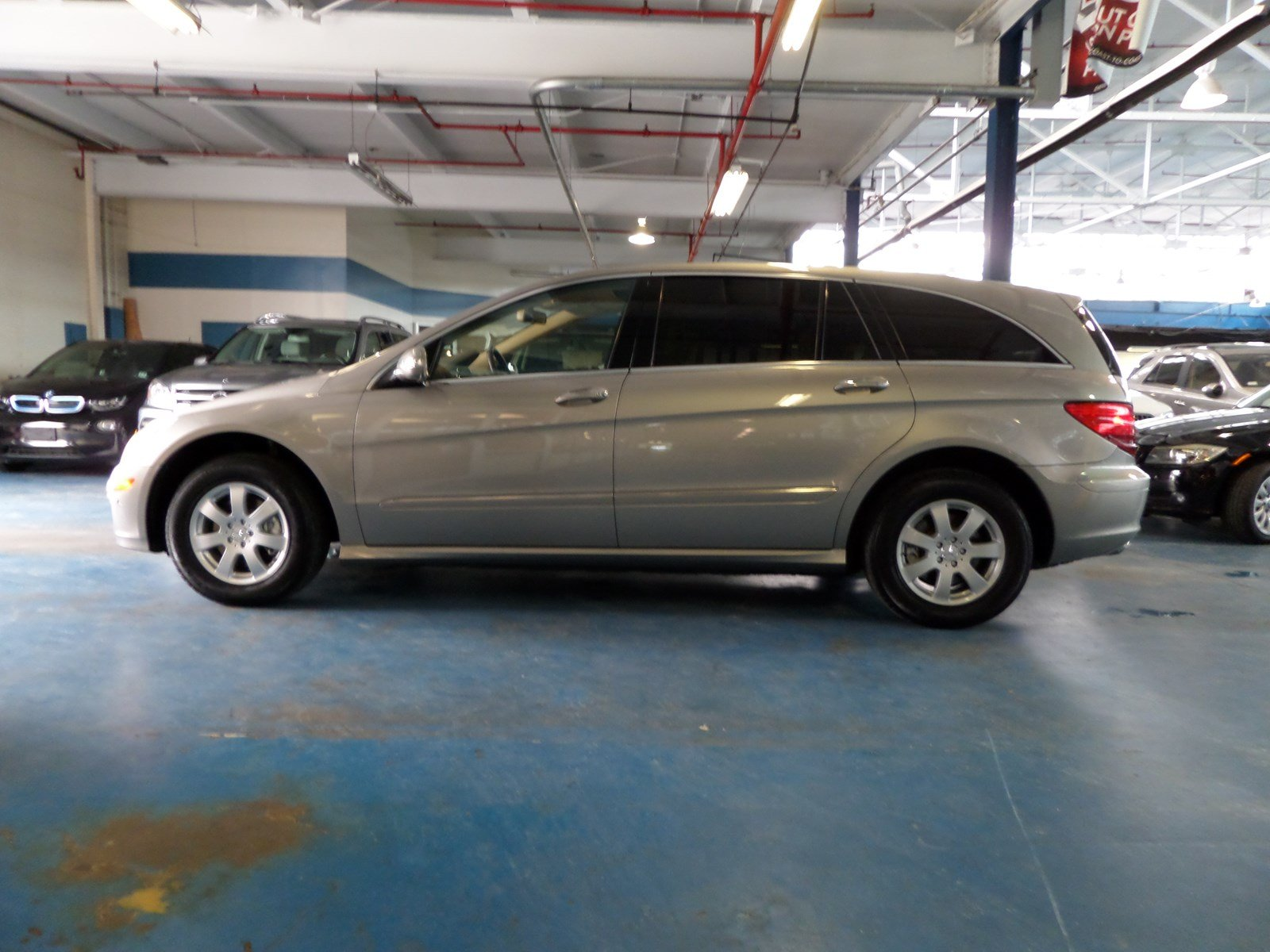 Pre Owned 2007 Mercedes Benz R Class 3.5L