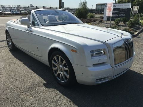 Pre-Owned 2015 Rolls-Royce Phantom Coupe Drophead With Navigation