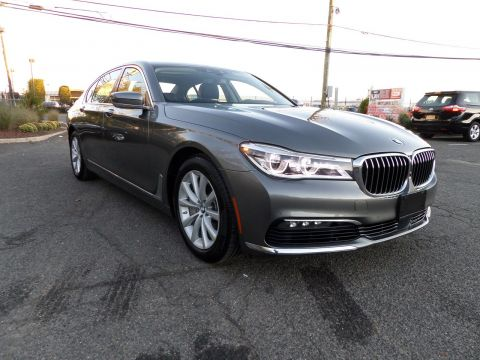 Pre-Owned 2016 BMW 7 Series 750i xDrive With Navigation & AWD